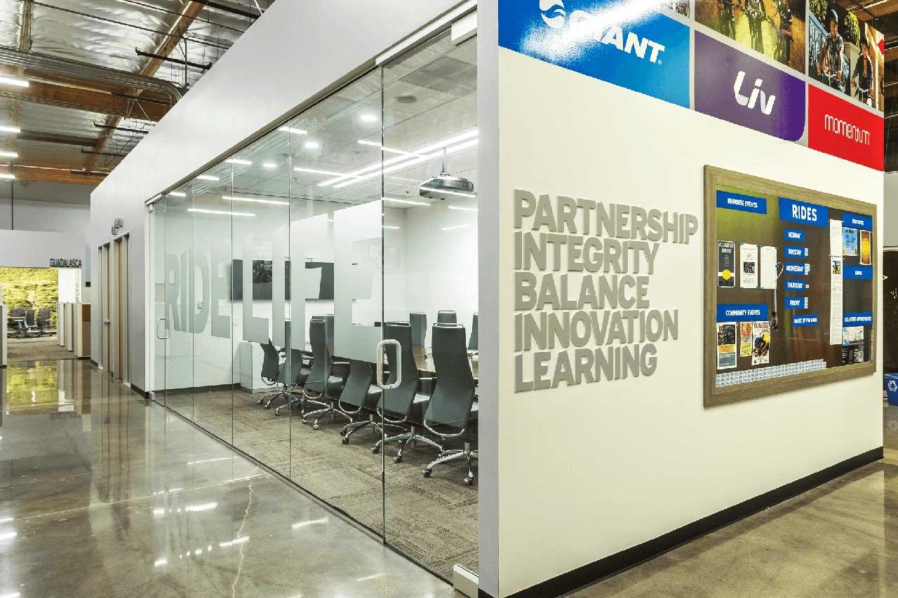Giant-USA-office-showroom-11